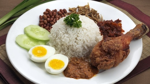 "Nasi lemak - ""món ănquốc dân"" của Malaysia.(Nguồn: Internet)"