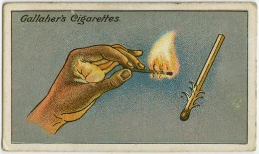 """Khi đang đi du lịch, dã ngoại… ở nơi có gió lớn mà cần châm lửa bằng diêm, hãy dùng dao khứa lên que diêm để tạo ra các vết cắt như hình. Các """"tua"""" này sẽgiúp bắt lửa nhanh hơn. (Ảnh: Internet)"""