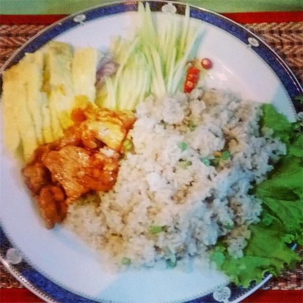 Mang tiếng là thức ănThái nhưng món cơm chiên này cũng đã pha trộn phong cách và khẩu vị của Campuchia khá nhiều.(Nguồn: Internet)