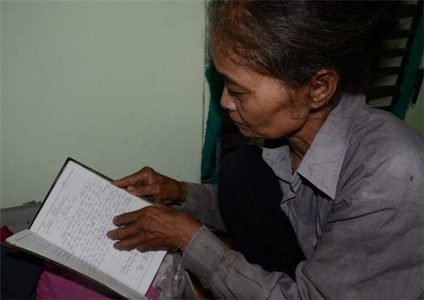 Câu chuyện đẫm nước mắt của vợ chồng già và hai người con tâm thần