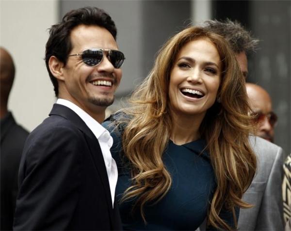 """Những cặp đôi """"chia tay vẫn làm bạn"""" của Hollywood"""