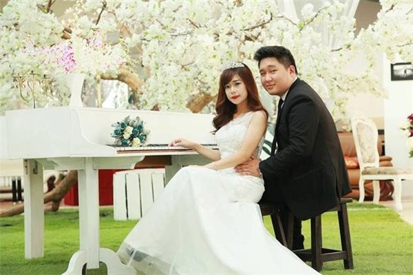 Chàng 100kg và cô vợ40kg là một minh chứng cho tìnhyêu không giới hạn. (Nguồn: Internet)
