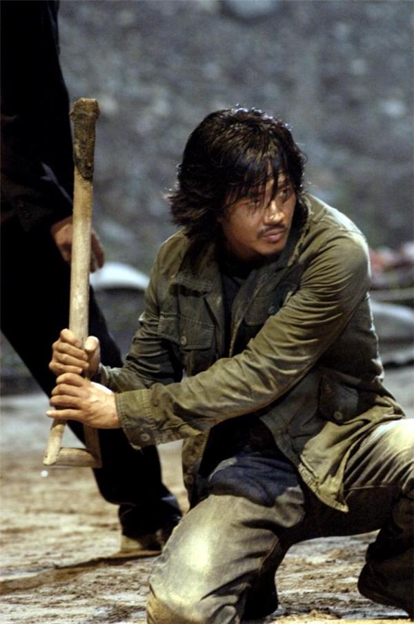 Kwang Sang Woolàdiễn viênkhông hề xa lạ với khán giả Việt mê phim Hàn.