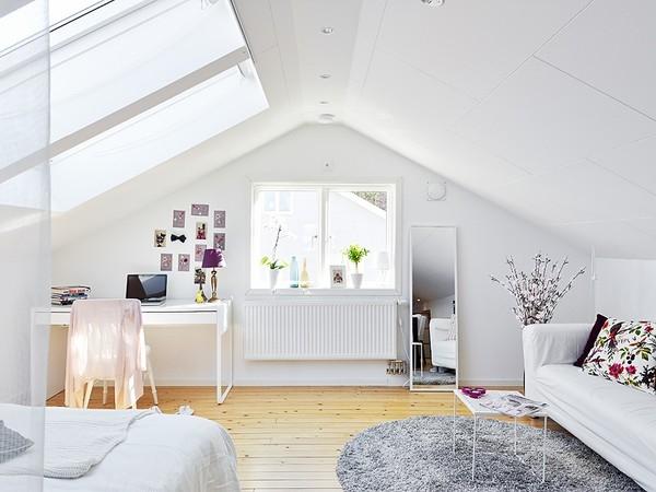 Nếu bạn sở hữu một phòng áp mái đủ lớn, ngại gì mà không thiết kế chúng như một căn hộ khép kín nhỉ. Đó sẽ là một cảm giác cực thú vị.