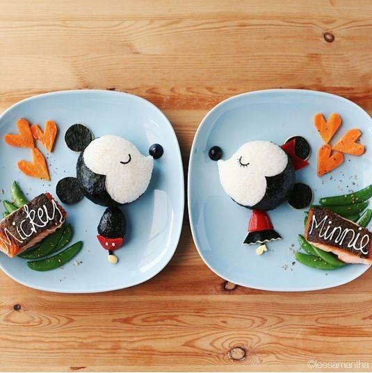 Mickey và Minnie trông đáng yêu không thể cưỡng.