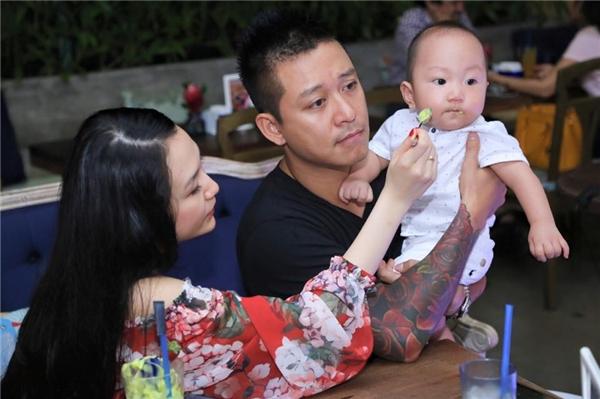 Tuấn Hưng thường xuyên khoe ảnh hạnh phúc của gia đình khiến nhiều người ngưỡng mộ. - Tin sao Viet - Tin tuc sao Viet - Scandal sao Viet - Tin tuc cua Sao - Tin cua Sao