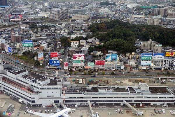 """1. Nhật Bản: Đây là một trong những quốc gia được đánh giá là sạch sẽ nhất thế giới. Ấn tượng đầu tiên khi đặt chân tới các thành phố của xứ sở hoa anh đào là sự quy hoạch đồng bộ về giao thông và xây dựng. Đi kèm với đó là nhiều đức tính, tinh thần quý báu của người Nhật. Họ yêu lao động, coi công việc như cuộc sống của mình với phương châm """"sống để làm việc chứ không phải làm việc để sống"""", chăm chỉ làm việc suốt đời."""