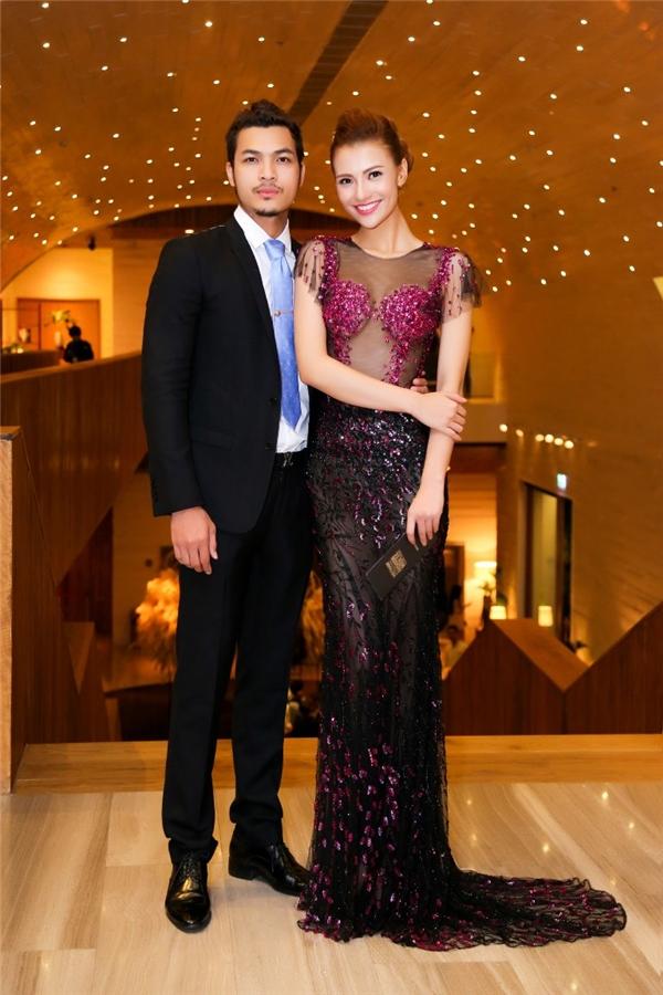 Hoa hậu Thùy Dung đẹp dịu dàng giữa dàn mĩ nhân