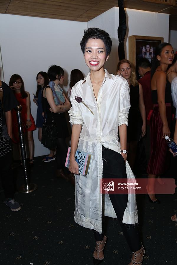 Nicky Khánh Ngọc luôn trở thành tâm điểm khi xuất hiện tại các sự lớn về thời trang bởi gu ăn mặc rất riêng.
