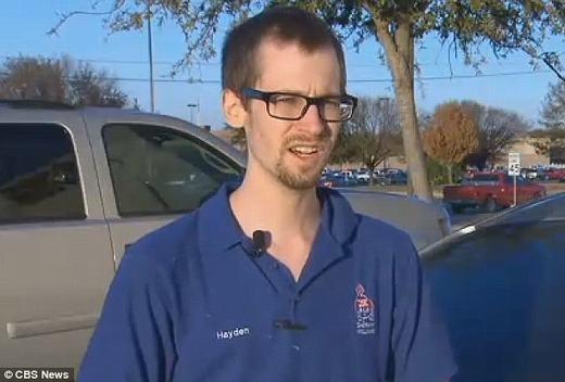 Anh Hayden khi được phỏng vấn. (Ảnh: CBS News)