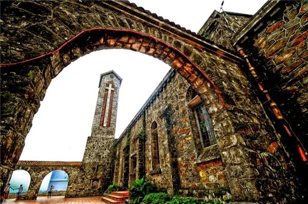 Nhà thờ cổTam Đảo.(Ảnh: Internet)