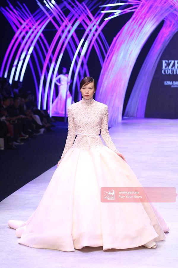 Minh Tú diện váy cưới trắng lộng lẫy như công chúa