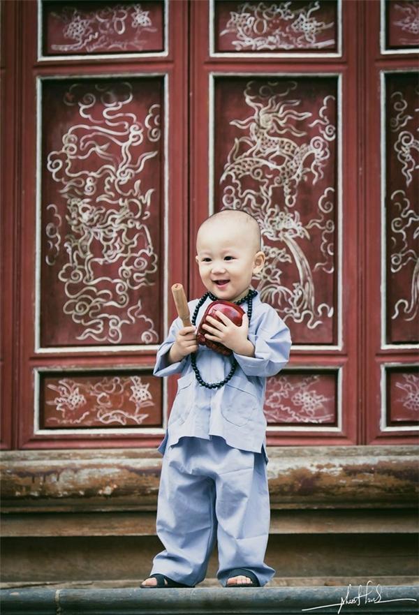Cậu bé vô cùng đáng yêu và dễ thương.(Ảnh: Internet)
