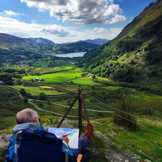 Như bước ra từ một câu chuyện cổ tích xa xưa, vùng núi Snowdon ở xứ Wales là những mảng đồng xanh ngắt nối tiếp nhau đến vô tận.(Nguồn Internet)