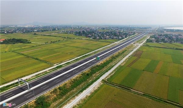 Ngày 26/9/2015, sau khi thông xe thêm 52,5 km (Km 21+500 - Km74+00) từ nút giao QL 39 (Lý Thường Kiệt, huyện Yên Mỹ, tỉnh Hưng Yên) đến nút giao QL10 (thuộc xã Quang Trung, huyện An Lão, thành phố Hải Phòng), cao tốc Hà Nội - Hải Phòng (quốc lộ 5B) đã đưa được 75 km đường vào khai thác.