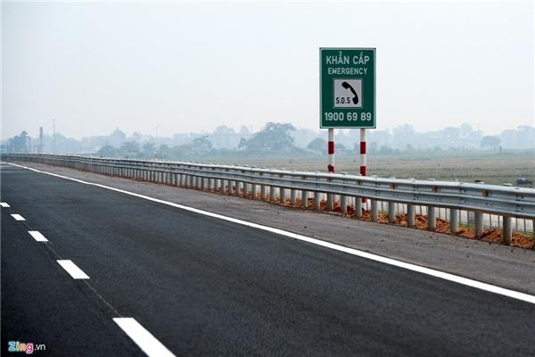 Số điện thoại đường dây nóng đặt dọc hành lang cao tốc phục vụ những trường hợp cấp cứu khẩn cấp hoặc các sự cố nghiêm trọng khác.
