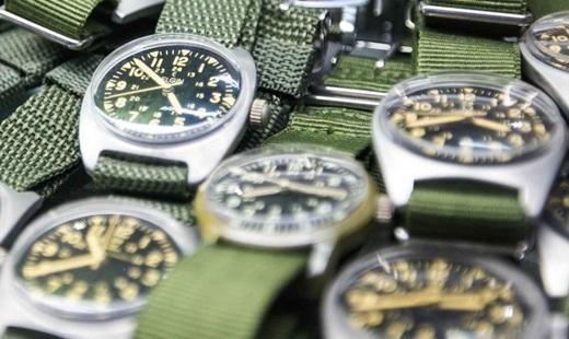 Những chiếc đồng hồ nằm im lìm như thì thầm kể những câu chuyện từ xa xưa.(Nguồn: Internet)