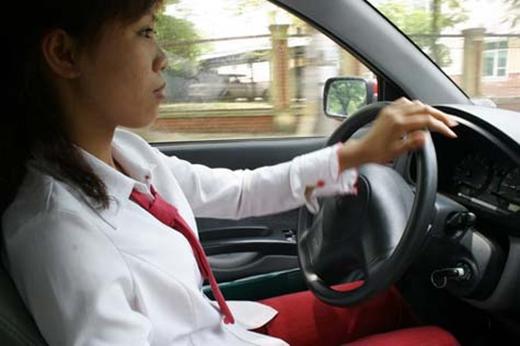 Khó có thể bắt được một chiếc taxi được điều khiển bởi nữ giới ở Việt Nam. (Nguồn: Internet)
