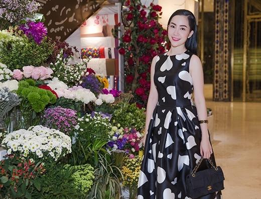 Linh Nga trong trang phục Thu - Đông 2015 của Đỗ Mạnh Cường.