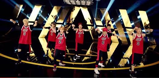 Rhythm Ta sôi động và làm fan muốn nhảy theo cùng 7 chàng trai iKON.