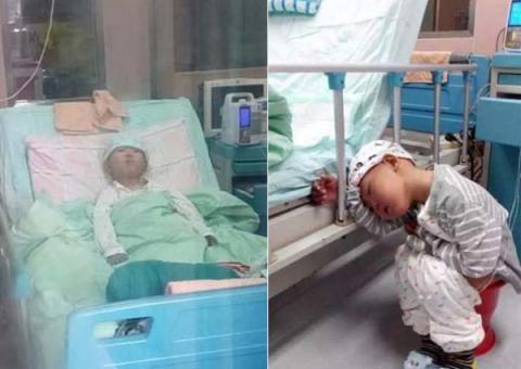 Hình ảnh đáng thương của cậu bé 4 tuổiđang điều trị bệnh tại bệnh viện. Ảnh: Internet