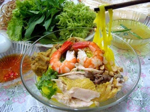 Mì Quảng Quảng Ngãi đủ màu sắc hấp dẫn.(Nguồn: Internet)