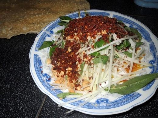 Bò hít của Quảng Ngãichính là gỏi đu đủ ở Sài Gòn.(Nguồn: Internet)
