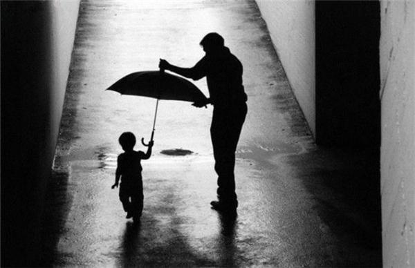 Vì con cái, cha mẹ có thể làm bất cứ điều gì, kể cả những việc phi thường không ai nghĩ con người có thể làm được. (Nguồn: Internet)