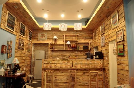 """Quán cà phê 3 tầng với không gian """"3 trong 1"""" tạo cảm giác vô cùng khác biệt và ấn tượng. (Ảnh: Internet)"""