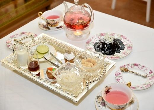 Những chiếc bánh cupcake được trang trí kĩ lưỡng và đẹp mắt, các loại trà phong phú có thể chinh phục tất cả mọi người, dù làvị khách khó chiều nhất.(Nguồn: Internet)