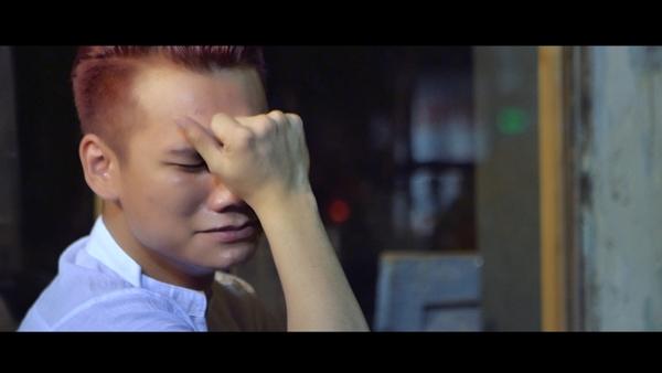 Một cảnh quay đặc tả cảm xúc của Khắc Việt sau khi bị người yêu phản bội khiến không ít khán giả nghẹn ngào. - Tin sao Viet - Tin tuc sao Viet - Scandal sao Viet - Tin tuc cua Sao - Tin cua Sao
