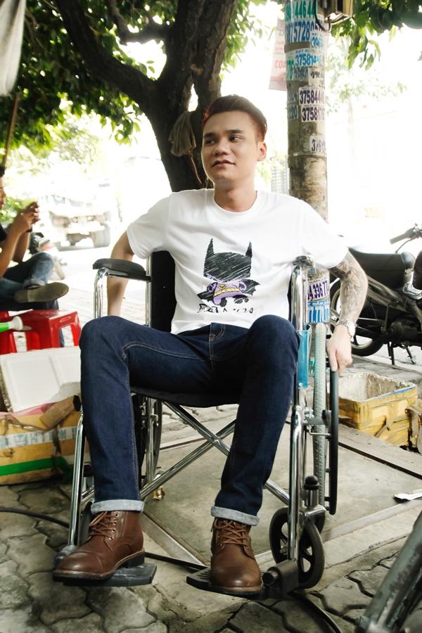 Cú sốc tình cảm khiến anh gặp tai nạn và phải ngồi xe lăn. - Tin sao Viet - Tin tuc sao Viet - Scandal sao Viet - Tin tuc cua Sao - Tin cua Sao