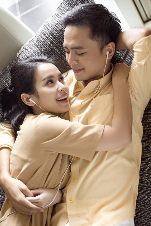 Cặp đôi luôn có những phút giây tình cảm, hạnh phúc bên nhau khiến nhiều người ghen tị. - Tin sao Viet - Tin tuc sao Viet - Scandal sao Viet - Tin tuc cua Sao - Tin cua Sao