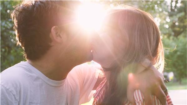 Câu chuyện Niềm tin của cặp đôi đã làm lay động biết bao trái tim và khiến nhiều người trên thế giới thêm mạnh mẽ, lạc quan hơn vào cuộc sống.(Ảnh: Internet)