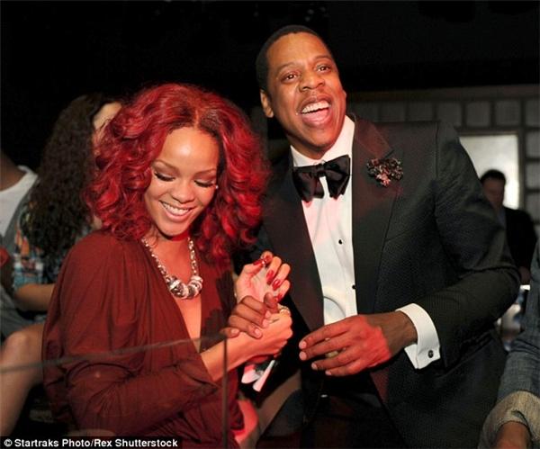 Rihanna là người phá hoại hạnh phúc của Beyonce?