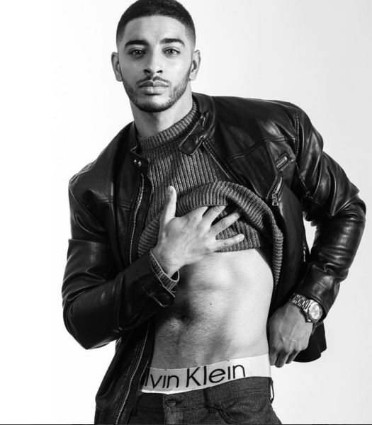 Chàng mẫu trẻ và những hình ảnh trong chiến dịch quảng cáo của Calvin Klein.