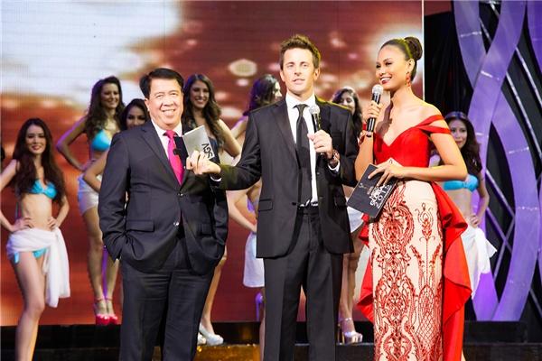 MC của Miss Global 2015 là người đẹp nổi tiếng của Philippines - Venus Raj. Cô từng đạt danh hiệu Á hậu 4 Hoa hậu Hoàn vũ Thế giới 2010. - Tin sao Viet - Tin tuc sao Viet - Scandal sao Viet - Tin tuc cua Sao - Tin cua Sao