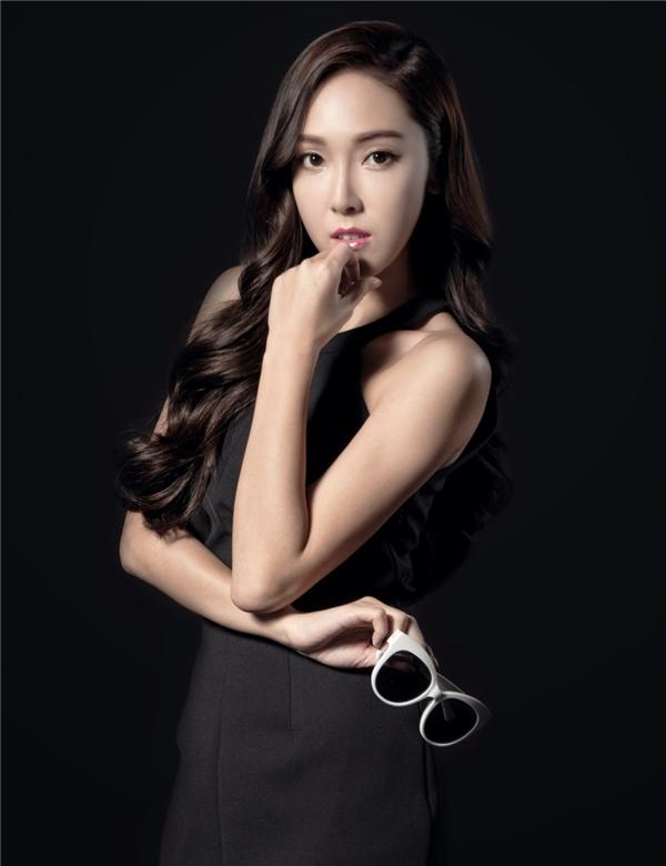 Fan sôi máu với thông tin Jessica, Park Bom, Sulli bán hoa