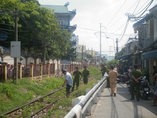 Nhiều vụ tai nạn thương tâm, do một số người vi phạm hành lang an toàn của đường sắt. Ảnh: ĐT