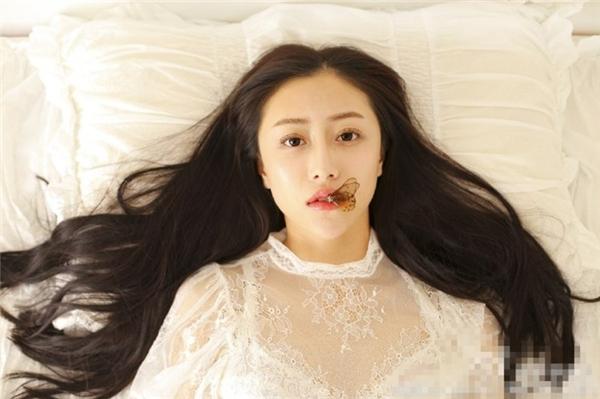 Cô nàng sở hữu khuôn mặt thanh tú cùng nét đẹp rất dịu dàng, trong sáng.(Ảnh: Internet)