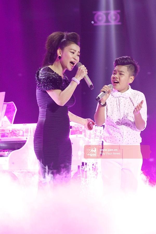 Công chúa tóc mây Hồng Minh đăng quang Giọng hát Việt nhí 2015 - Tin sao Viet - Tin tuc sao Viet - Scandal sao Viet - Tin tuc cua Sao - Tin cua Sao
