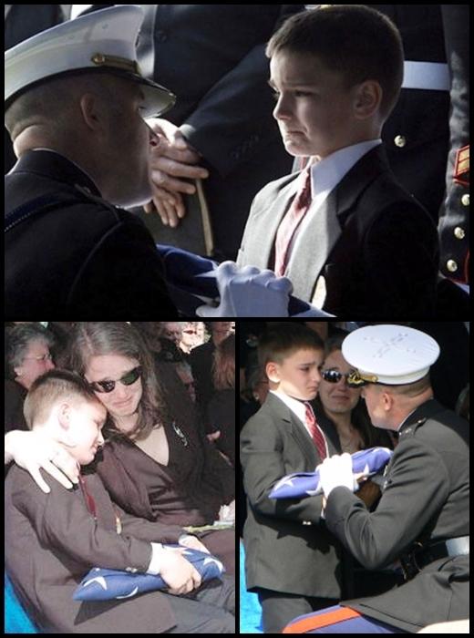 Cậu bé Christian Golczynski (8 tuổi) mím môi kiềm chặt xúc cảm khi nhận lá cờ từ quan tài của cha - một người lính hải quân đã hi sinh cao cả khi làm nhiệm vụ.(Ảnh: Internet)