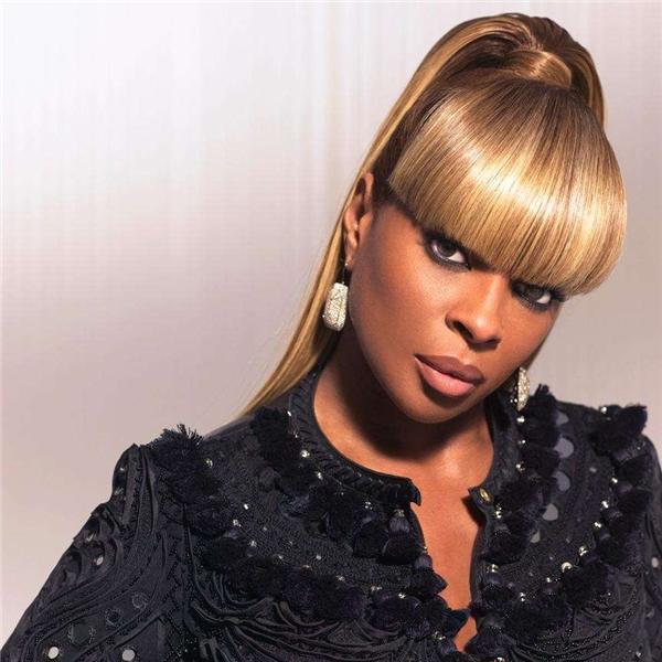 Mary J. Blige bắt đầu sựu nghiệp ca hát bằng việc hát lót cho một số nghệ sĩ ở Uptown Records bao gồmJeff Redd và Father MC.