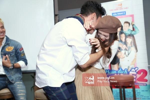 Fan phấn khích trước nụ hôn nồng cháy giữa Sĩ Thanh và Lý Bình - Tin sao Viet - Tin tuc sao Viet - Scandal sao Viet - Tin tuc cua Sao - Tin cua Sao