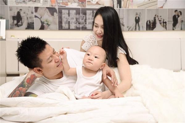 Ảnh hạnh phúc của gia đình Tuấn Hưng - Hương Baby. - Tin sao Viet - Tin tuc sao Viet - Scandal sao Viet - Tin tuc cua Sao - Tin cua Sao