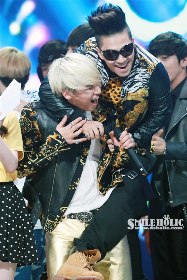 """Rụng tim với khoảnh khắc """"ngọt hơn kẹo"""" của Big Bang"""
