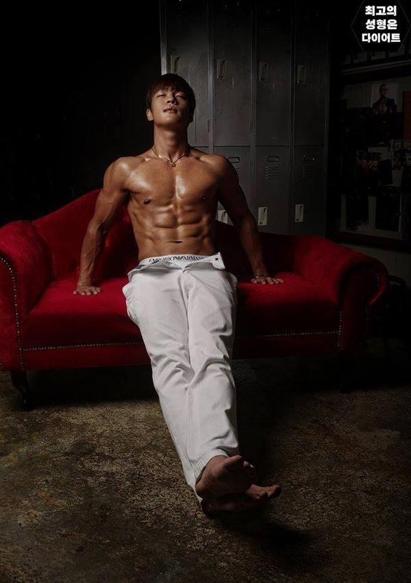 Thêm trường hợp chàng trai hóa mĩ nam cơ bắp nhờ quyết tâm giảm cân