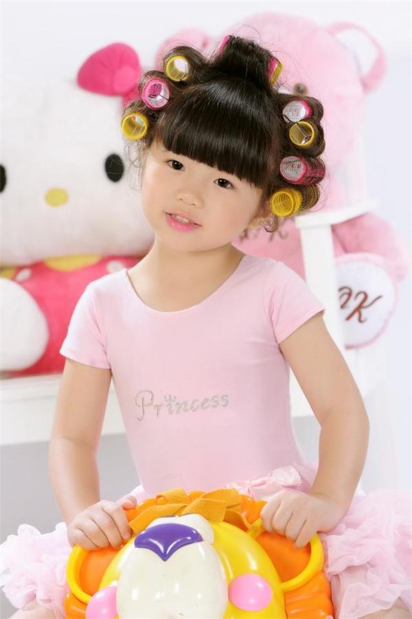 Đứ đừ trước ngoại hình xinh xắn như thiên thần của con gái Thúy Nga - Tin sao Viet - Tin tuc sao Viet - Scandal sao Viet - Tin tuc cua Sao - Tin cua Sao