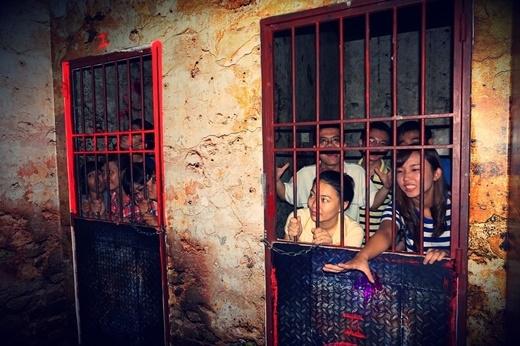 Những căn phòng giam được thiết kế cực kì công phu, lẫn tinh xảo trong từng ngóc ngách nhằm khiến nạn nhân dường như chỉ có đường vào chứ không có lối thoát.