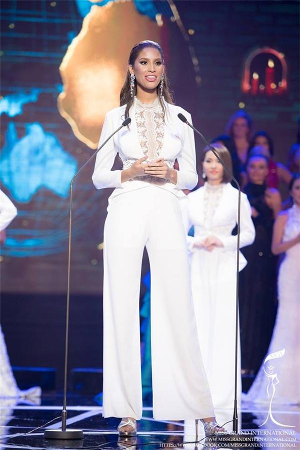 Hoa hậu Hòa bình Thế giới 2015 ra đời từ một vụ cưỡng bức